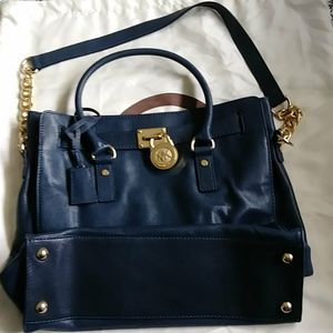 🆕 MICHEAL KORS navy blue & Gold tote